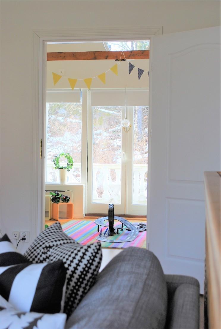 Bild tagen från vardagsrummet (övervåning)